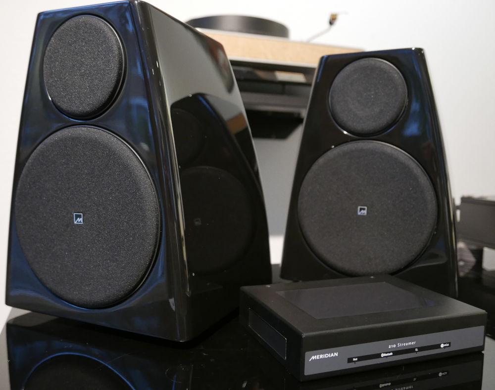 Meridian DSP3200 und Streamer 210